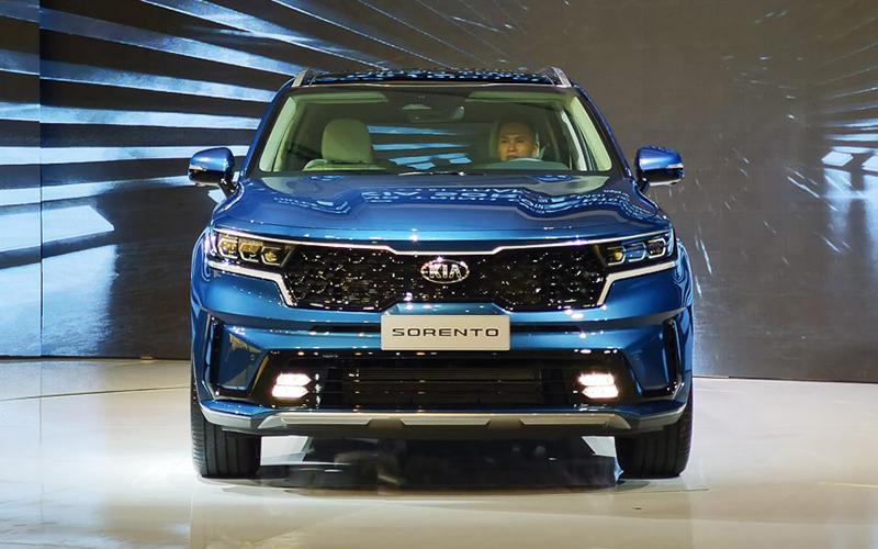 dau xe kia sorento 2021 signature 6 cho may xang muaxegiatot vn - So sánh Toyota Fortuner 2021 và Kia Sorento 2021: Kẻ tám lạng người nửa cân