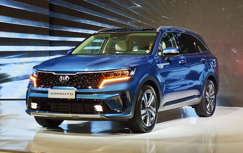 gia xe kia sorento 2021 signature 6 cho may xang muaxegiatot vn - So sánh Toyota Fortuner 2021 và Kia Sorento 2021: Kẻ tám lạng người nửa cân