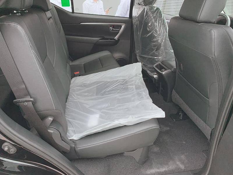 hang ghe sau toyota fortuner may dau at 24l 2021 toyotalongphuoc vn - So sánh Vinfast Lux SA 2.0 và Toyota Fortuner bản cao cấp có gì khác biệt?