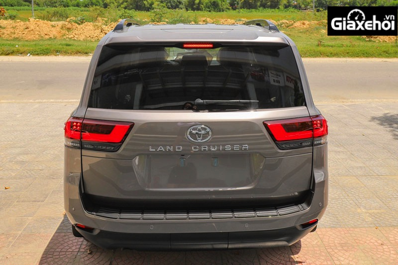 duoi xe toyota land cruiser 2022 300 giaxehoi vn - Toyota Land Cruiser