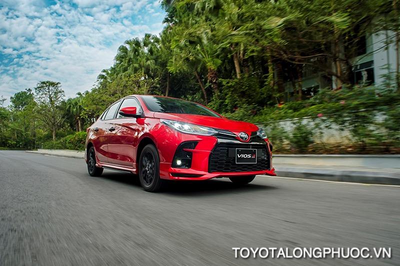 Van hanh xe Toyota Vios GR S 2021 toyotalongphuoc vn - So sánh Toyota Vios GR-S 2021 và Honda City RS 2021: Cạnh tranh khốc liệt trong phiên bản mới