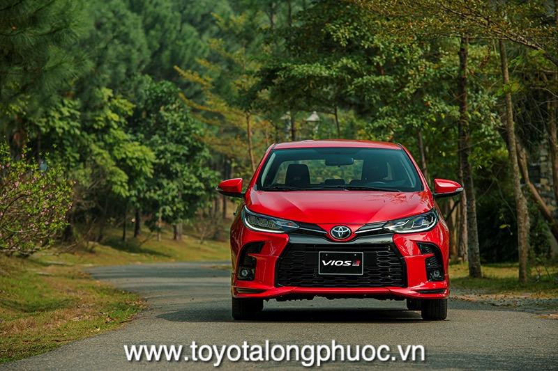Dau xe Toyota Vios GR S 2021 Toyotalongphuoc vn - Đánh giá Toyota Vios GR-S 2021: Phiên bản thể thao cực hấp dẫn