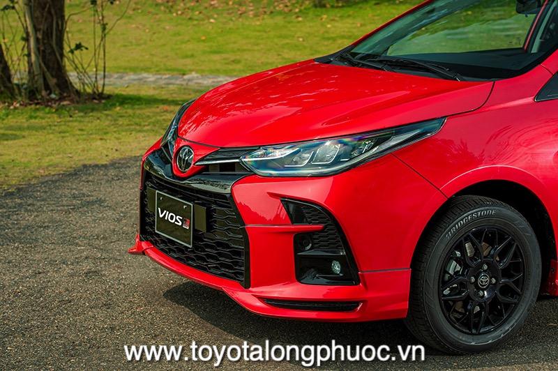 Den truoc xe Toyota Vios GR S 2021 Toyotalongphuoc vn - Đánh giá Toyota Vios GR-S 2021: Phiên bản thể thao cực hấp dẫn