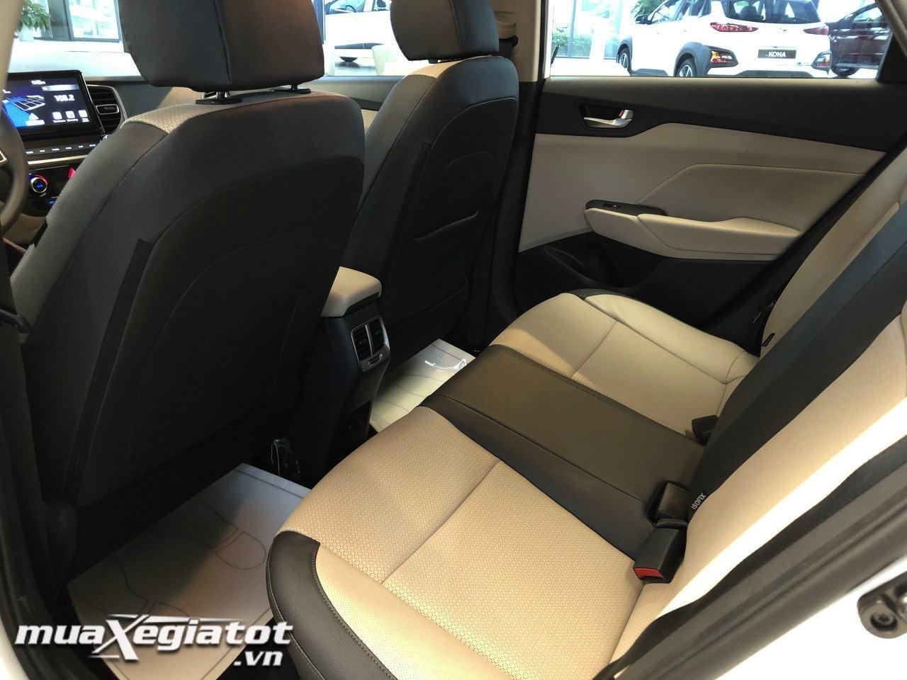 Toyotalongphuoc vn hyundai accent 2021 ve dai ly 5 - Toyota Vios GR-S và Hyundai Accent bản đặc biệt: Chênh lệch gần 100 triệu đồng cùng trải nghiệm có được