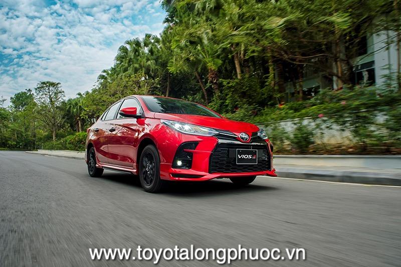Van hanh xe Toyota Vios GR S 2021 Toyotalongphuoc vn - Đánh giá Toyota Vios GR-S 2021: Phiên bản thể thao cực hấp dẫn