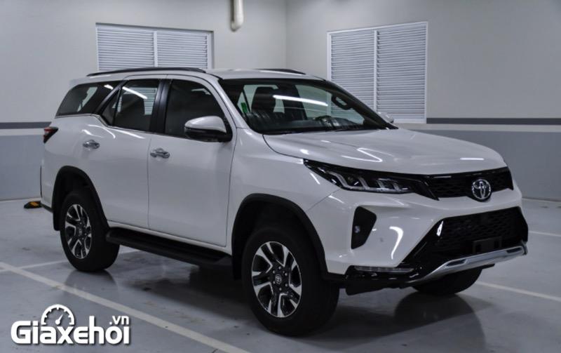 than xe toyota fortuner legender 2 4at 2021 toyotalongphuoc vn - Chi tiết Toyota Fortuner Legender 2.4 AT 4x2 2021: Cải tiến mới về ngoại thất cùng tính năng vận hành