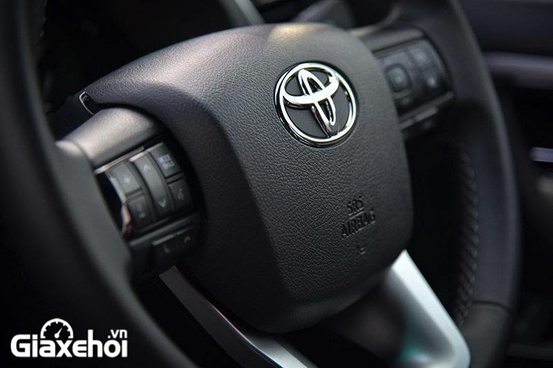 vo lang toyota fortuner legender 2 4at 2021 toyotalongphuoc vn - Chi tiết Toyota Fortuner Legender 2.4 AT 4x2 2021: Cải tiến mới về ngoại thất cùng tính năng vận hành