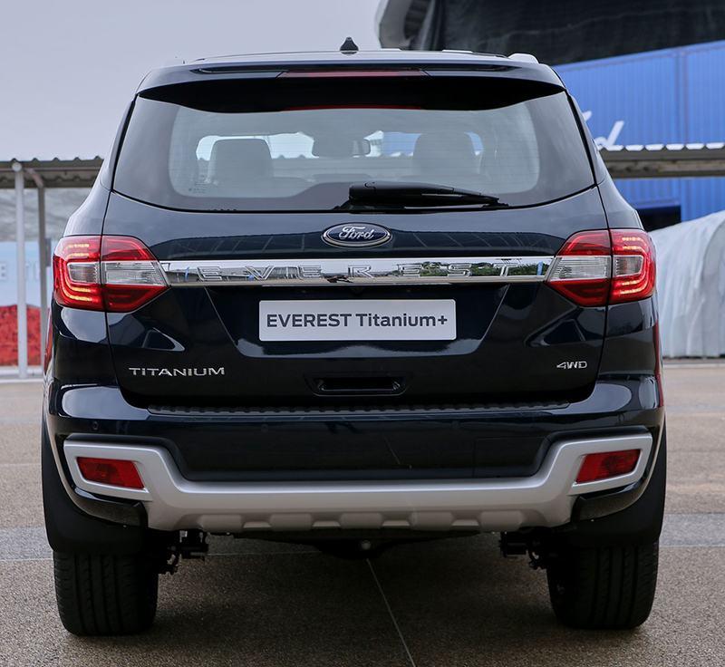 "duoi xe ford everest 2021 thailan muaxegiatot vn - Đánh giá xe Ford Everest 2021, Xe 7 chỗ khiến Fortuner ""hít khói"""