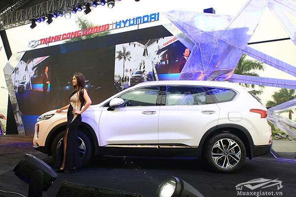 hong xe hyundai santafe 2019 muaxenhanh vn 34 - Đánh giá xe Hyundai SantaFe 2021, Xe SUV 7 chỗ đang từng bước lật đổ thế lực Fortuner