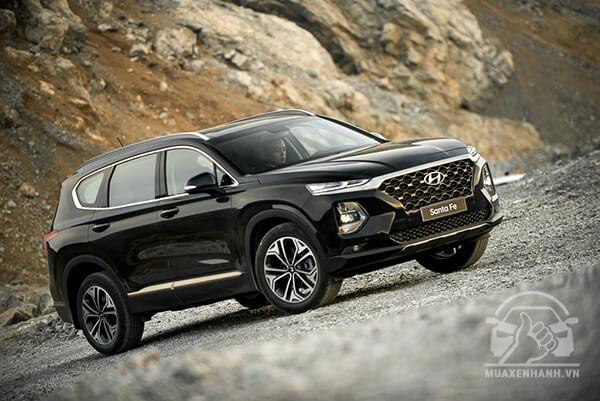 van hanh santafe 2019 muaxegiatot vn - Đánh giá xe Hyundai SantaFe 2021, Xe SUV 7 chỗ đang từng bước lật đổ thế lực Fortuner