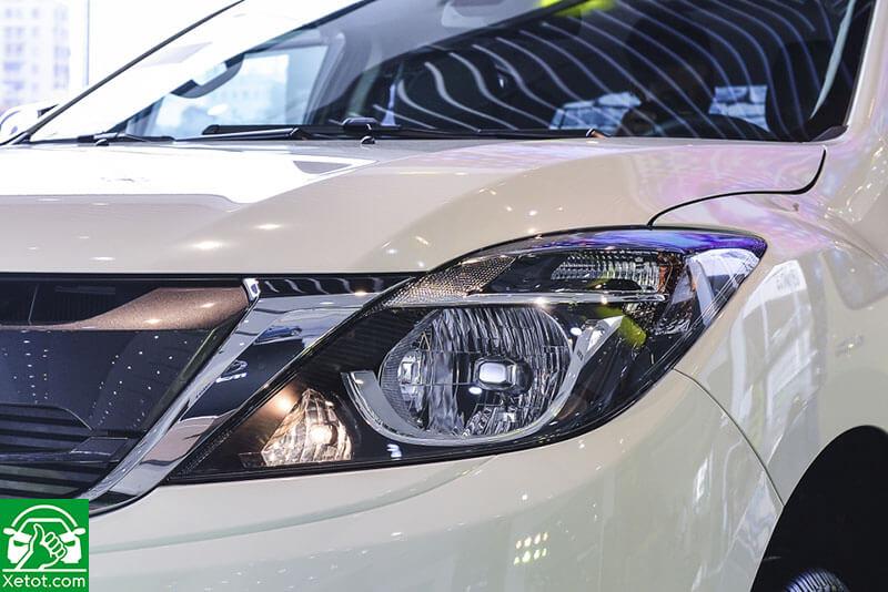 den pha mazda bt 50 2020 xetot com - Đánh giá xe Mazda BT-50 2021 - Xe đẹp nhất làng bán tải