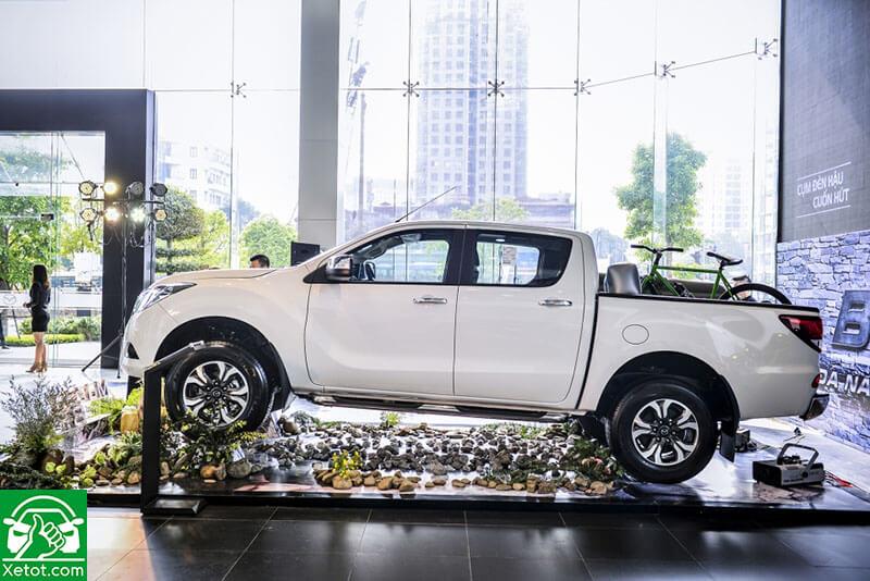 hong xe mazda bt 50 2020 xetot com - Đánh giá xe Mazda BT-50 2021 - Xe đẹp nhất làng bán tải